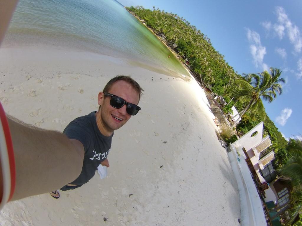 Po dotarciu stopem na plażę Haad Salad, najlepsza z których byłem na Koh Phangan